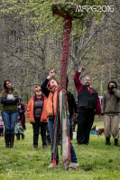 Reading the maypole at the 2016 Gathering. Photo by Kylie Moroney.